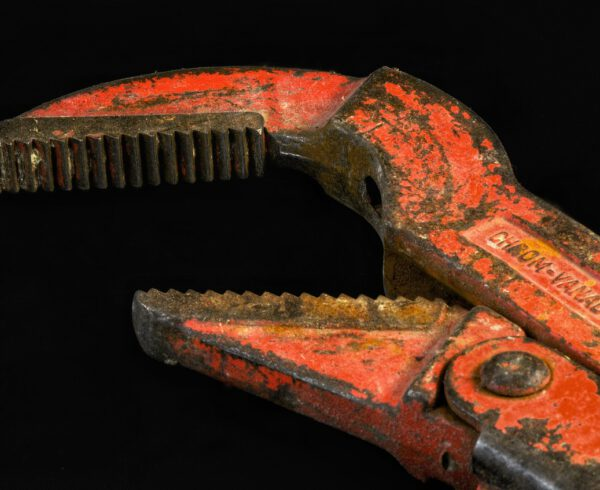 Pipe wrench in Enschede